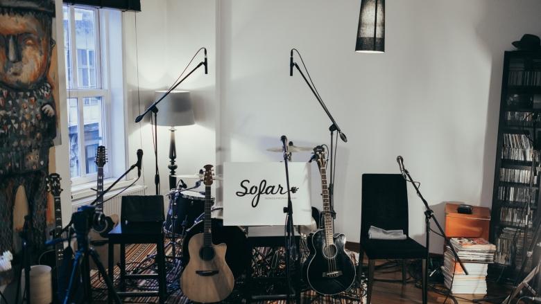Sahnesinden Geçeni Milyonlara Duyuran Nefis Gizli Ev Konserleri: Sofar Sounds