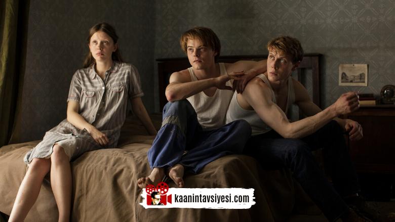 Film Salgını! Size Evde Kaliteli Zaman Geçirtecek 14 Nefis Film Önerisi!